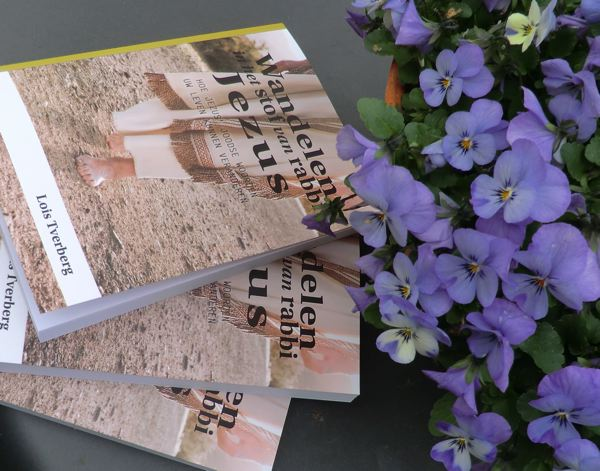 klein_boek Lois viooltjes